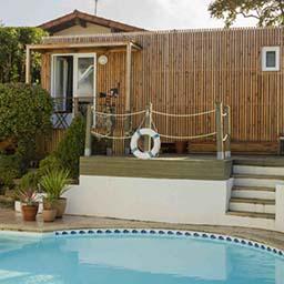 Poolhouse bois préfabriqué