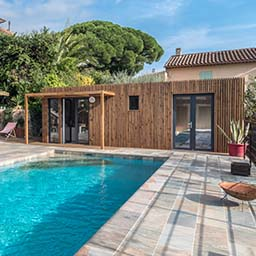 Poolhouse design en bois